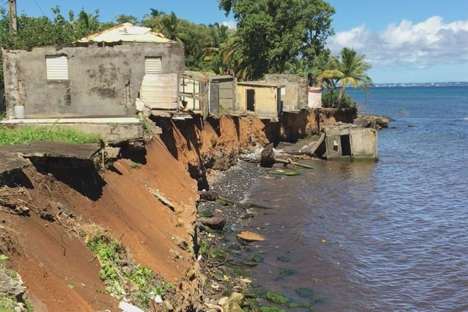 Érosion du littoral à Sainte-Marie de Capesterre-Belle-Eau • ©Nadine Fadel