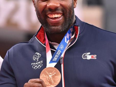 Et le bronze pour Teddy Riner.