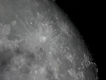 Lua - Cratera Copernicus em Destaque