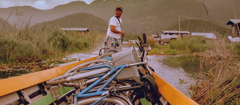 Através da fotografia e da poesia, Zeca Coelho rodou o mundo, viajando para dentro e para fora de si