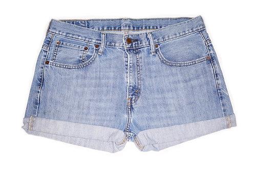 Vintage Levi's Medium Wash Mid-High Rise Cuffed Shorts 33/34