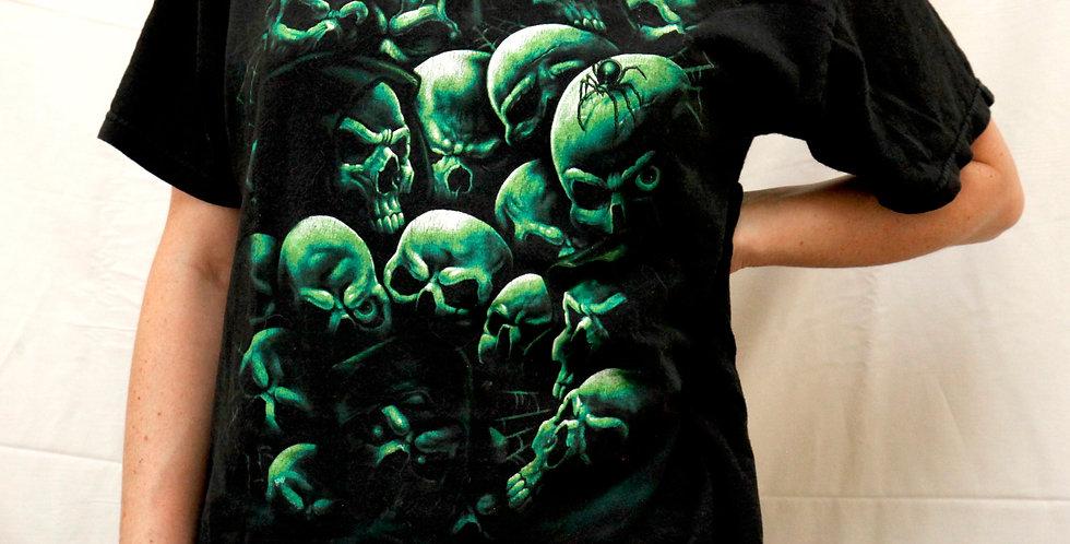 Vintage 90s/00sSpooky Black & Green Skulls Pile Grim Reaper Short Sleeved Halloween Liquid Blue-Inspired Tee / T-Shirt - M