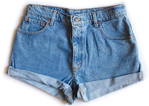 Vintage Levi's Light Wash High Rise Cuffed Shorts - 31