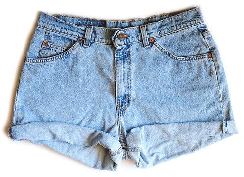 Vintage Levi's Light Wash High Rise Cuffed Denim Shorts – 30/31