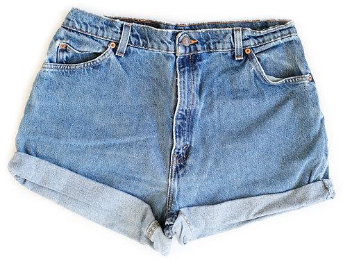 Vintage Levi's Medium Blue Wash High Rise Cuffed Shorts - Sz 34