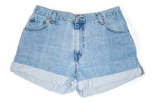 Vintage Levi's Light/Medium Wash High Rise Cuffed Denim Shorts - Sz 31