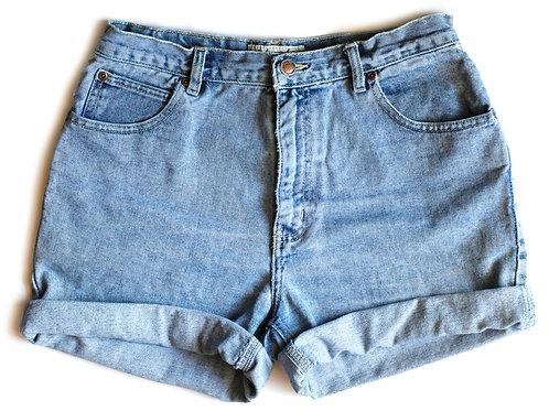Vintage Light Wash High Rise Cuffed Denim Shorts – 29/30