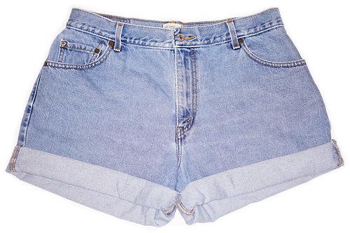 Vintage Levi's Light/Medium Wash High Rise Cuffed Shorts - Sz 34