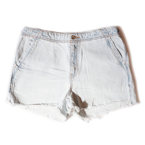 Vintage Levi's Light Wash High Rise Cut Off Shorts - 28/29