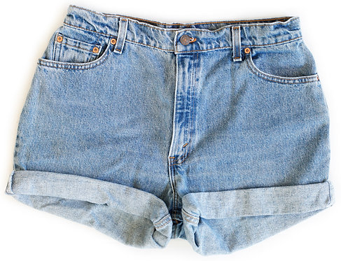 Vintage Levi's Medium Blue Wash High Rise Cuffed Shorts - Sz 32/33