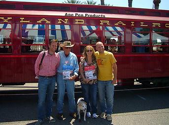 Disney Legend Bob Gurr, Carlene Thie, Jody Daily, Kevin Kidney and minnie!