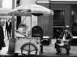 NYC29 Mid-town hot dog cart