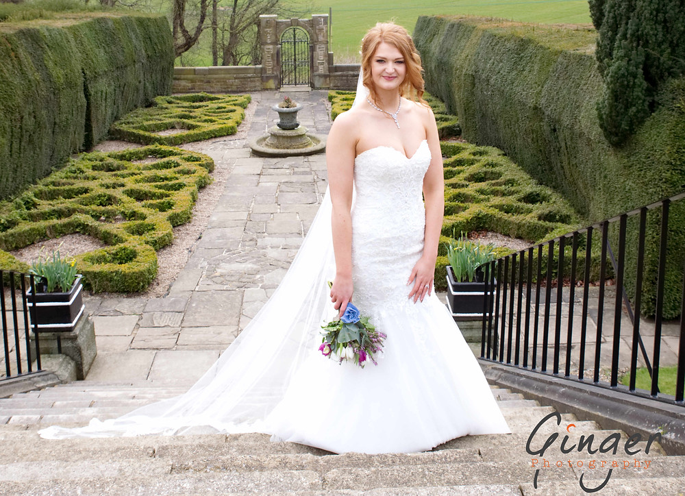 The stunning bride - did I say she's Ginger, perfect!