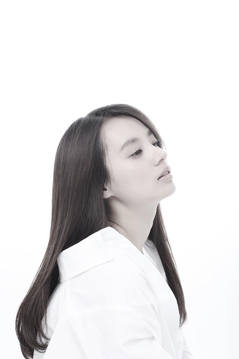 KIM HA RIN_001