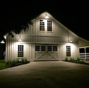 The Horse Barn Management Show! Don't Get Caught In The Dark!