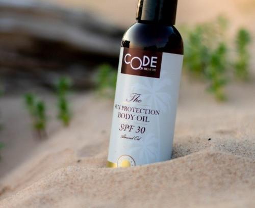 Labākā sauļošanās eļļa 2019. gadā – Code of Beauty Saules aizsargeļļa SPF 30