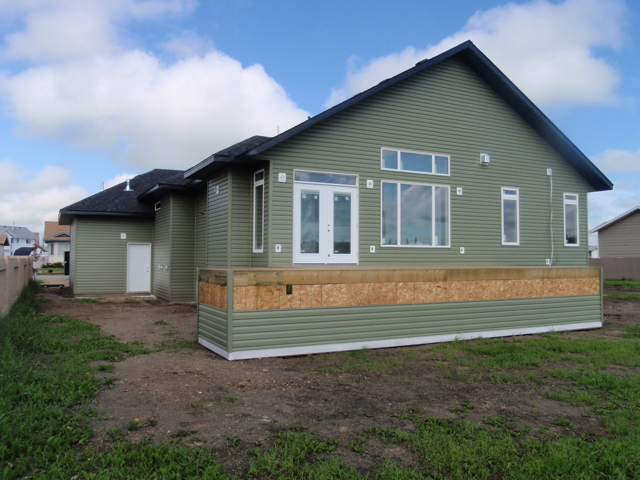 Amazing Custom Home - St. Isadore, AB
