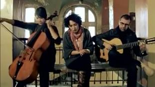 Laura Lopez castro y Don Philippe - Búscame