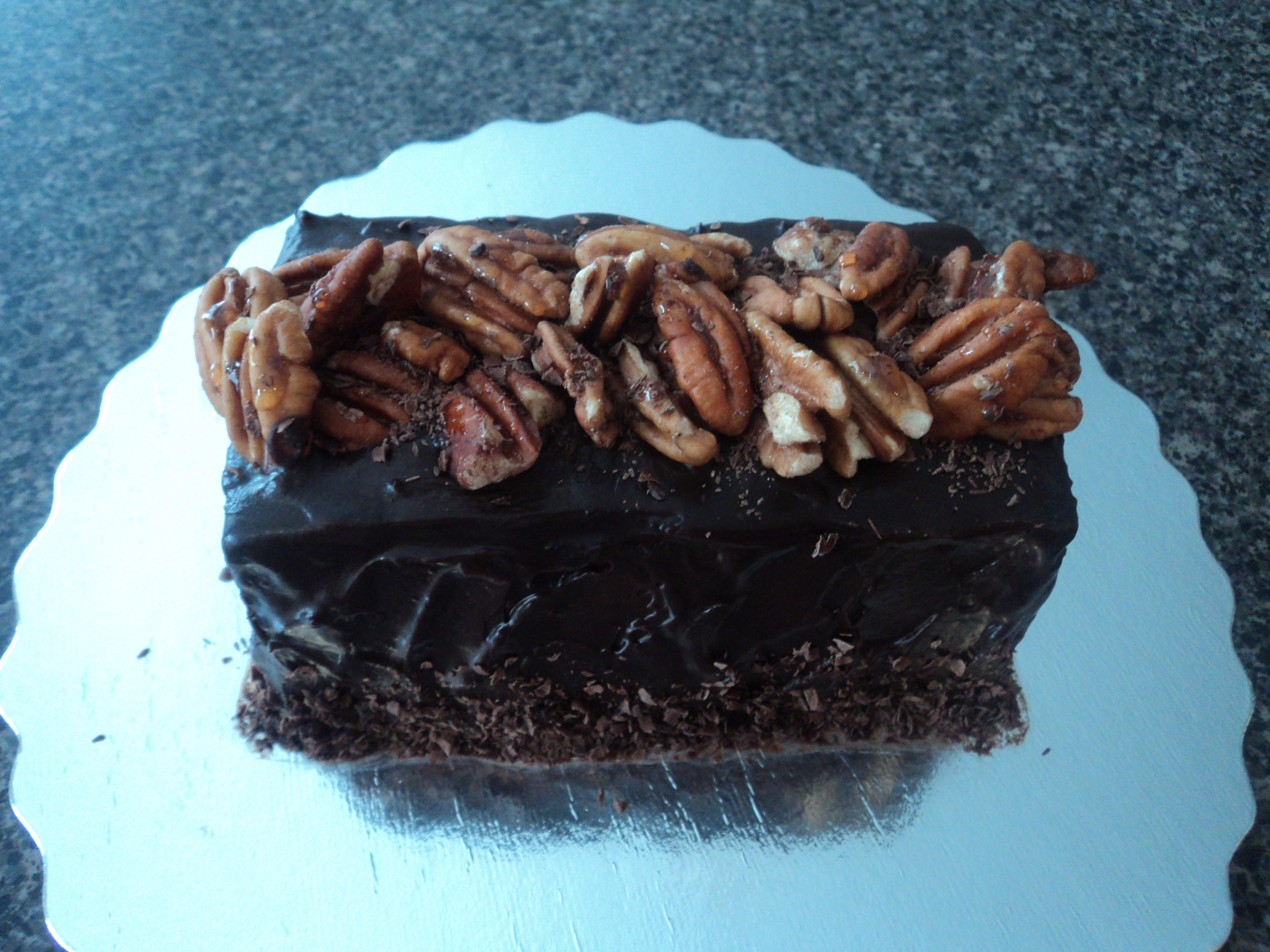 Crunchy Pecan Chocolate Cake