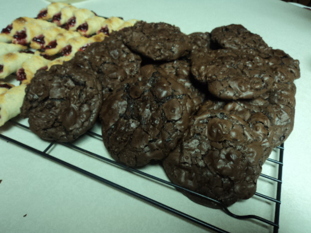 CHOCOLATE FLOURLESS COOKIES