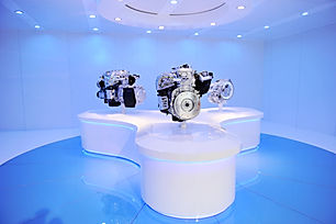 exhibition of brand new car engine..jpg