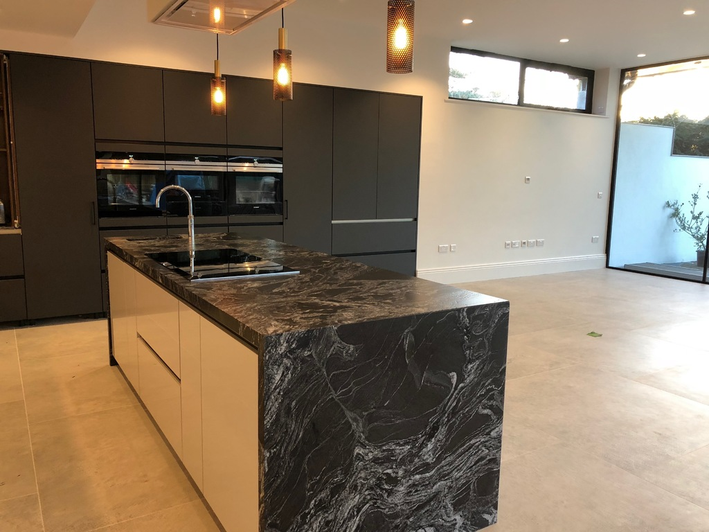 SieMatic Titan white/Graphite grey
