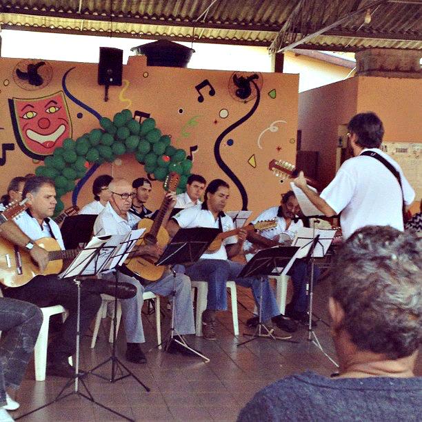 Orquestra de Viola Caipira no Asilo