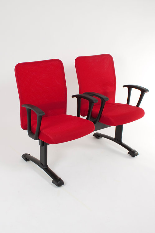 Cadeira vermelha 24