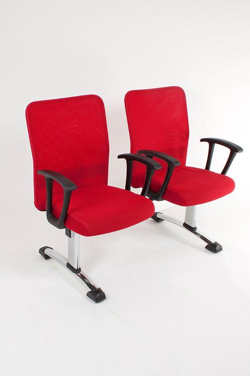 Cadeira vermelha 23