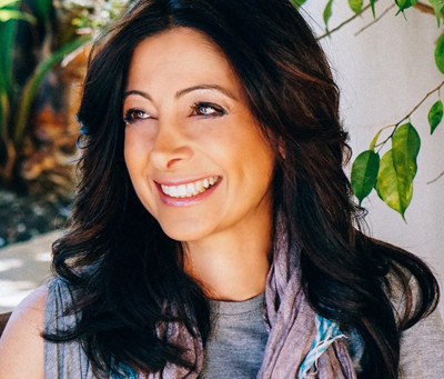 Meet Rebecca Aghalarpour of Sanari Candle Company