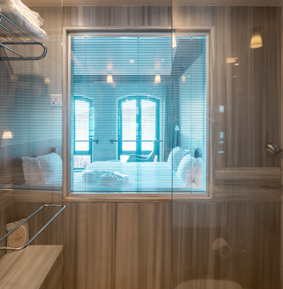 marble-bathrooms-with-hamam-and-sea-view