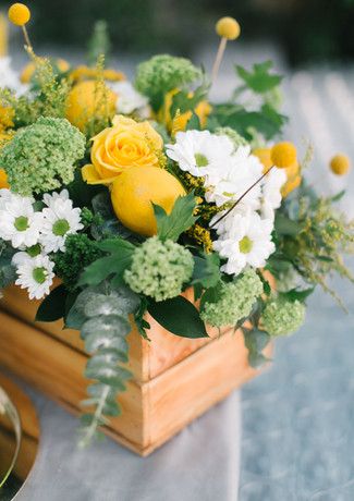 flower-and-lemon-decoration-at-celebrati