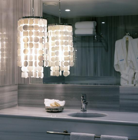 bathroom-at-hotel-room-at-sumahan.jpg