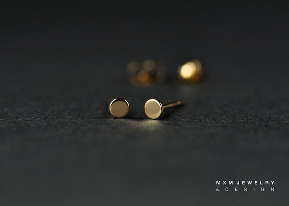 Gold / Circle Stud Earrings