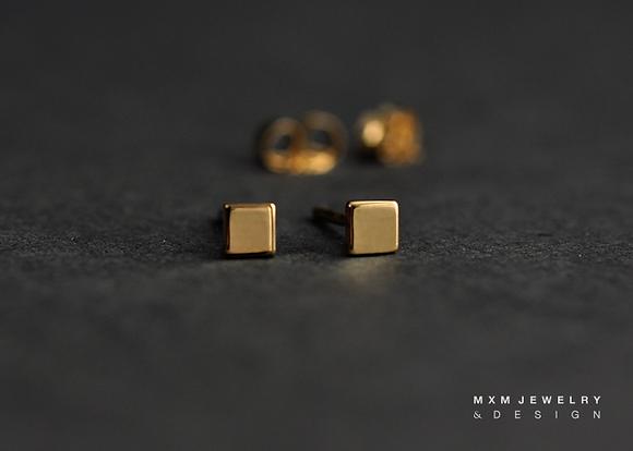 Gold / Square Stud Earrings