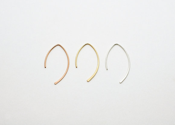 Curved V Shape Earrings / Small