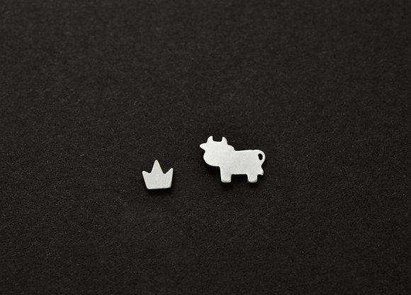 Cow & Grass Crown Stud Earrings