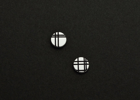Parallel Graphic Cirle Stud Earrings