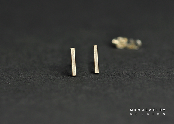 Simple Short Bar Stud Earrings