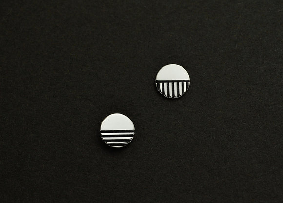 Horizontal and Vertical Line Graphic Cirle Stud Earrings