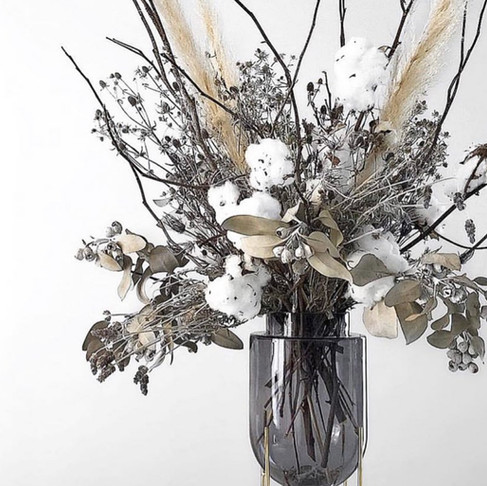 The Perfect Dried Centrepiece