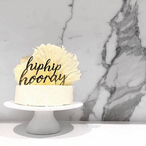 Super Quick Cake Decorating