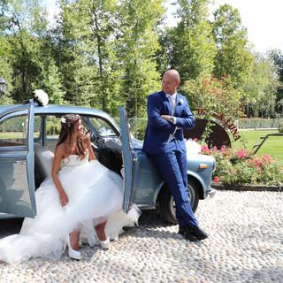 Wedding Day  Arrivo in location su auto d'epoca.