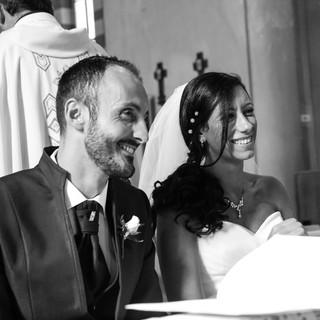 Wedding Day  @Chiesa di San Lorenzo in Monluè Due sposini felici durante il loro giorno.