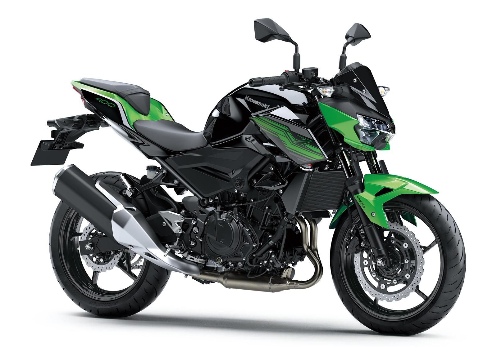 Kawasaki Z400 2019 action 7