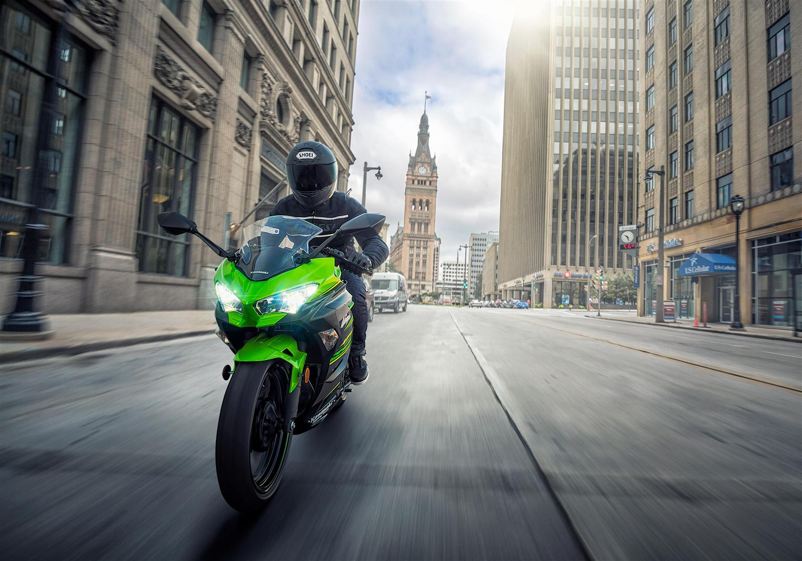 Kawasaki Ninja 400 na miasto