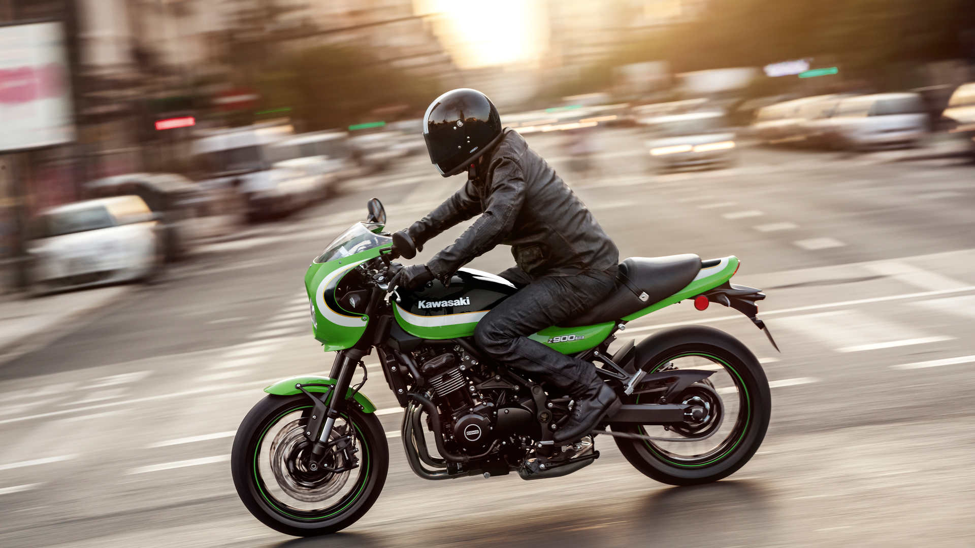 2020_Z900RS CAFE_GN1_ACT (4).jpg