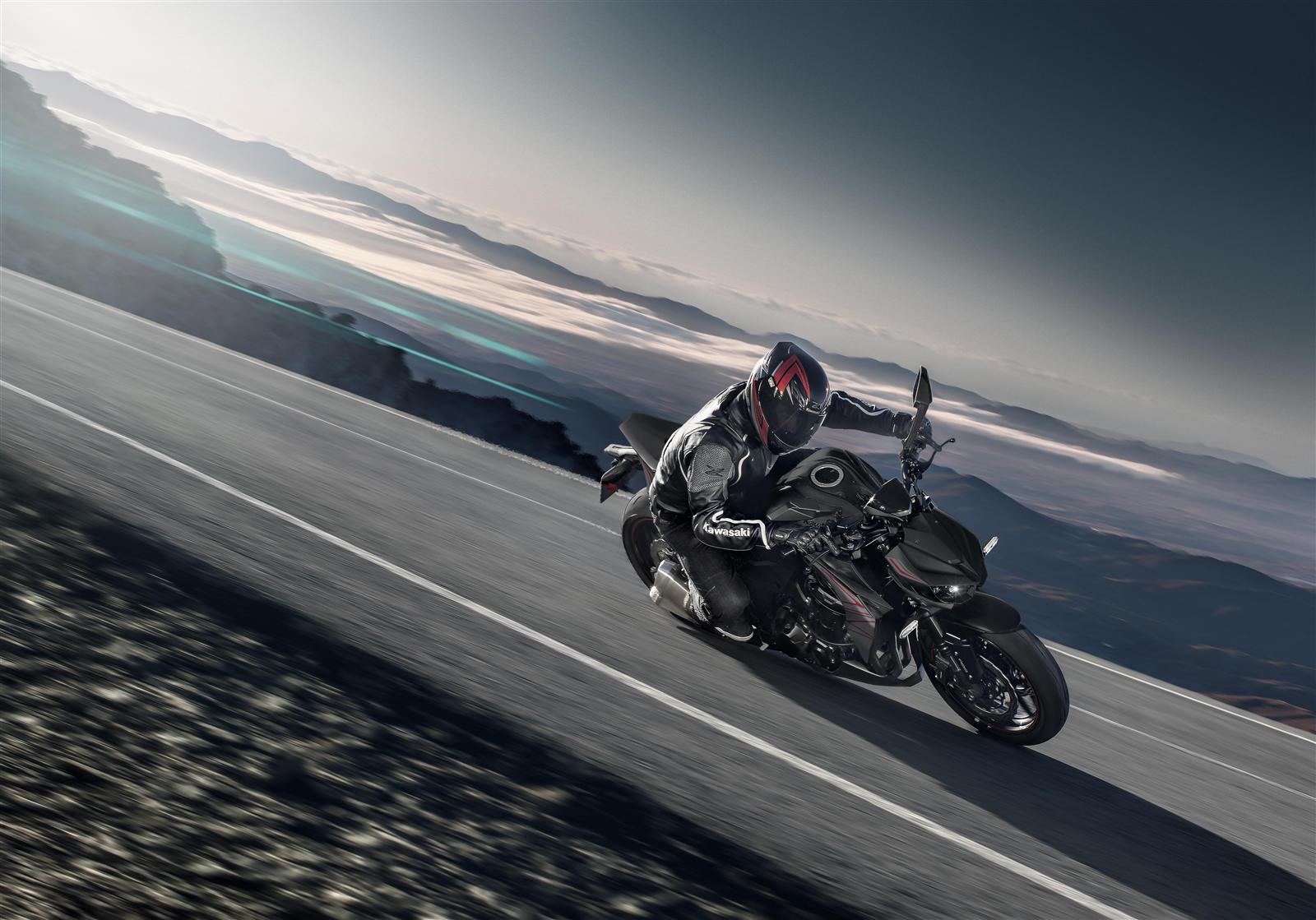 Kawasaki Z1000 2019 w akcji