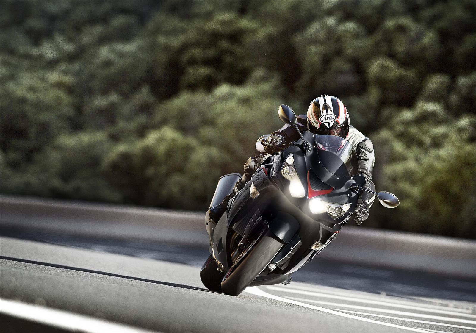 Kawasaki ZZR1400 najpotężniejszy