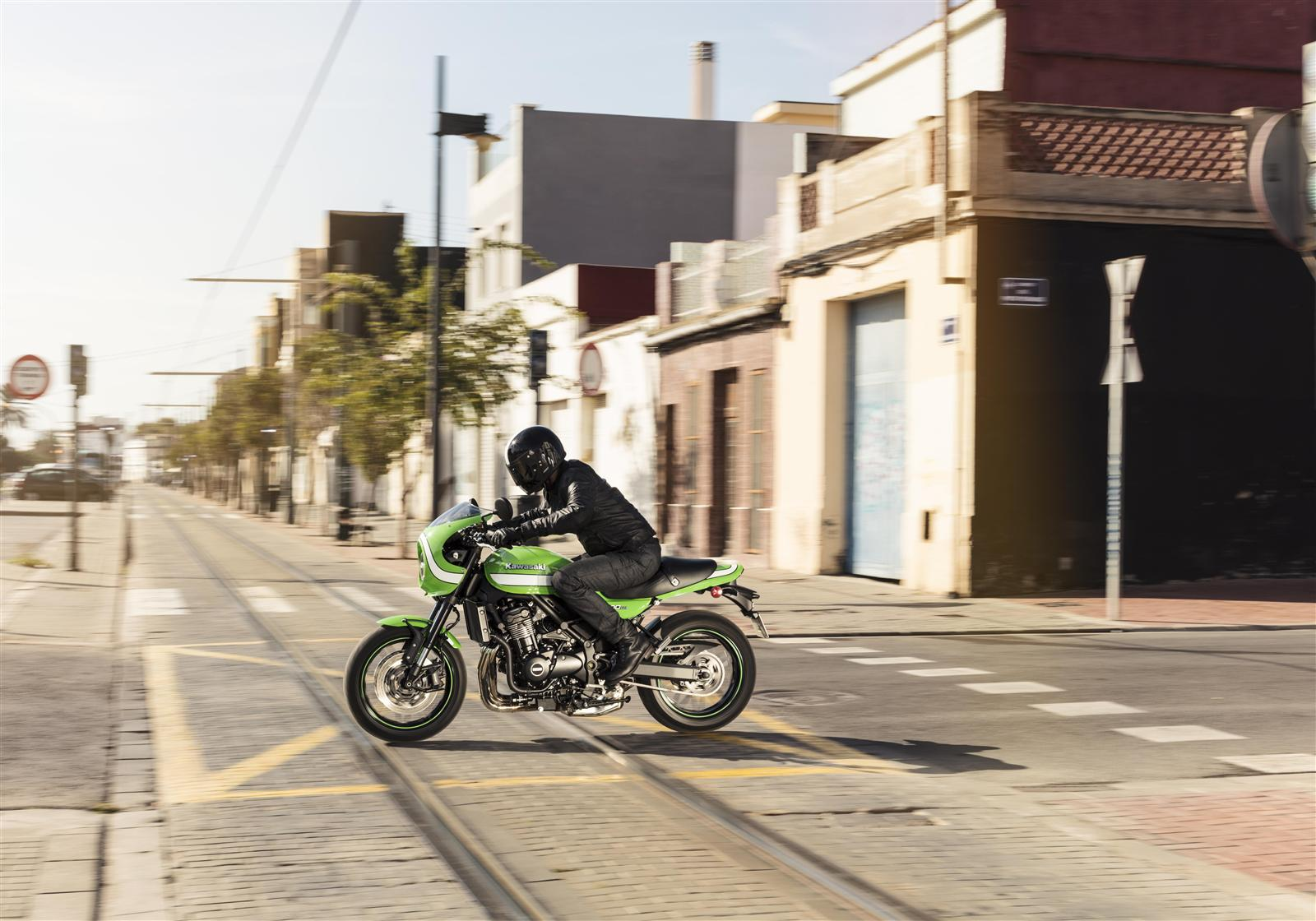 Kawasaki ZR900RS Cafe uliczny wyścig